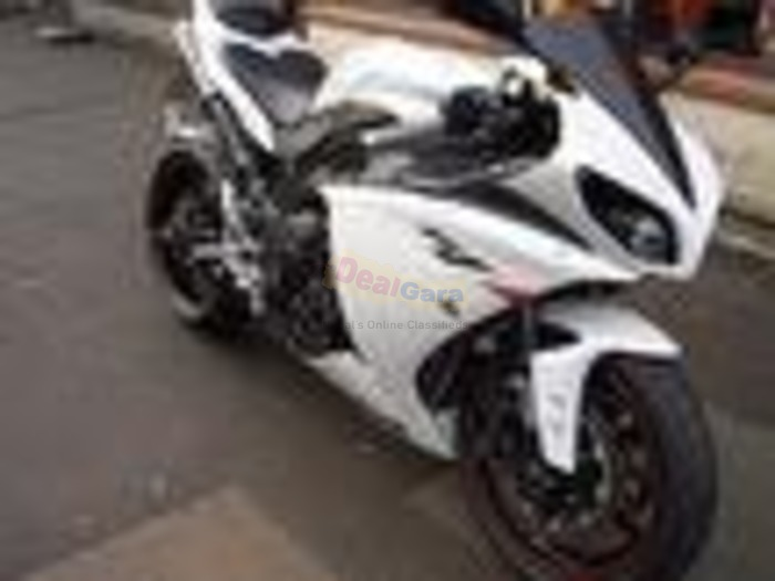 Yamaha R1 1000 ABS Super Sports 1000cc