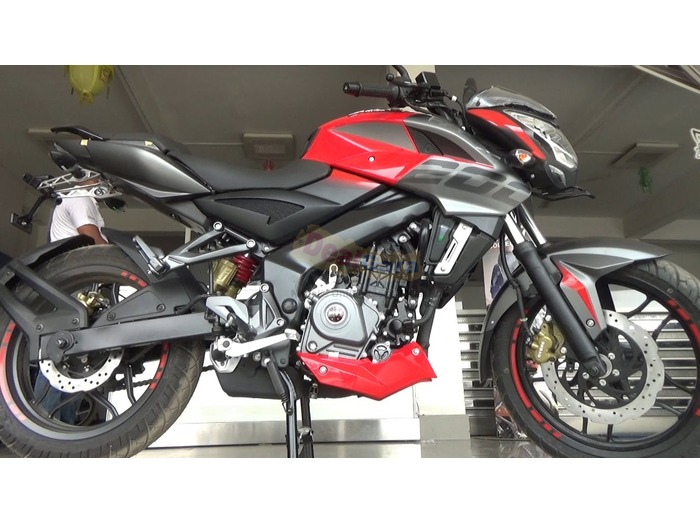 NS 200 RED URGENT SELL