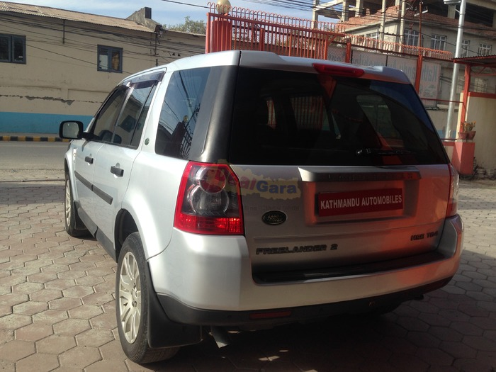 LAND ROVER FREELANDER 2009(AUTOGEAR) [Price Rs. 92,00,000