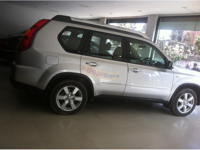 nissan x trail 2009 diesel price rs 55 00 000 lalitpur. Black Bedroom Furniture Sets. Home Design Ideas